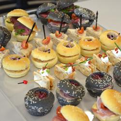 """Exemple de pièces cocktail façon mini-burger """"maison"""""""